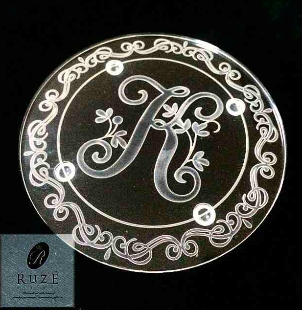 Personalized acrylic pieces can also be requested at Ruze.