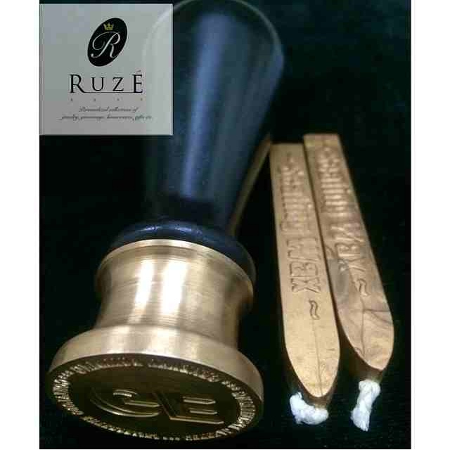 Always wanted to have a wax seal personalized to your initials?  Check out Ruze's items!