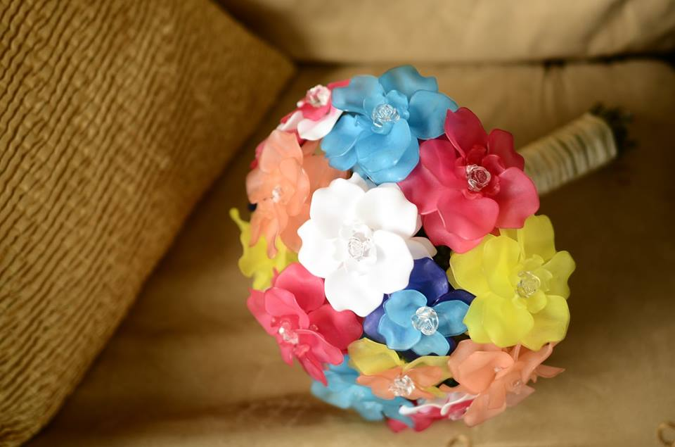 A beaded bouquet for your wedding keepsake, handcrafted by Kzen.