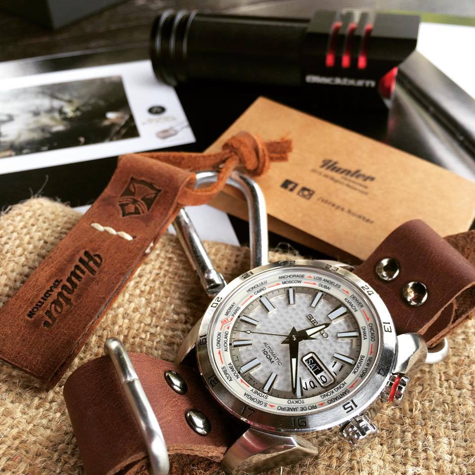 These aviator watch straps are pretty nifty--all buckles and no holes--these make perfect gifts for those dudes and gals who are pretty picky with their time pieces.