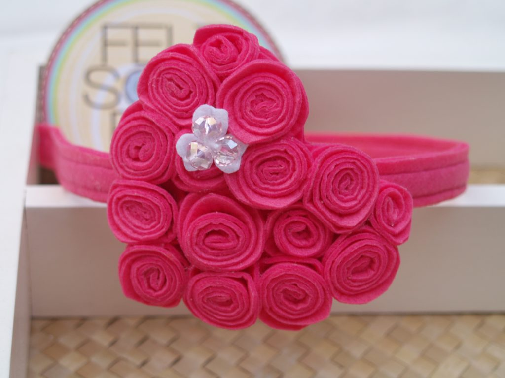 Such a pretty headband for your pretty little one!